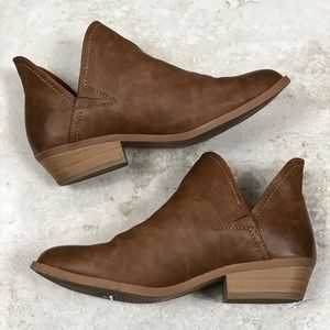 Universal Thread Nora V-Cut Ankle Booties Brown 9